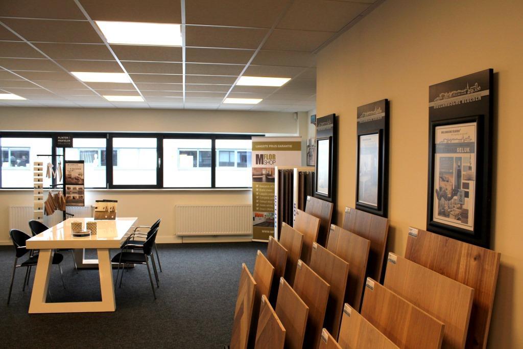 Uitgebreide collecties pvc vloeren in showroom Weesp