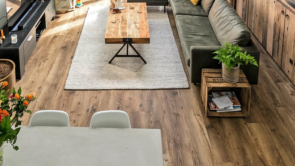Bramber Chestnut Nutmeg mFLOR PVC vloer 81601 houtmotief eikenlook woonkamer eetkamer
